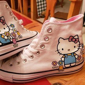 Converse Hello Kitty Shoes NWT